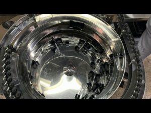 makine mbushëse dhe kapëse shishesh tipike mekanike e dorës
